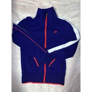 EUC Nike Zip-Up Sweater